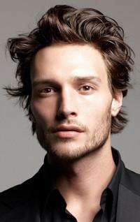 Мужская стрижка без градуировки на средние волосы
