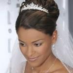 Высокие свадебные прически на средние волосы