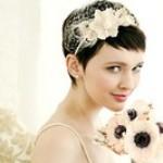 Свадебная прическа на короткие волосы с ободком
