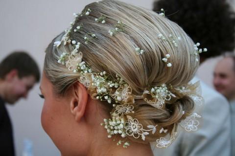Свадебная прическа на короткие волосы с начесом