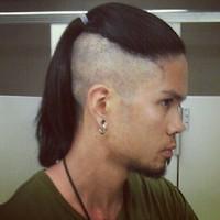 Прически на длинные волосы мужские