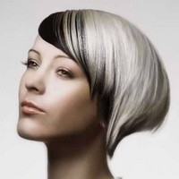 прически на средние волосы металлический цвет
