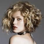 прическа на средние волосы кудри
